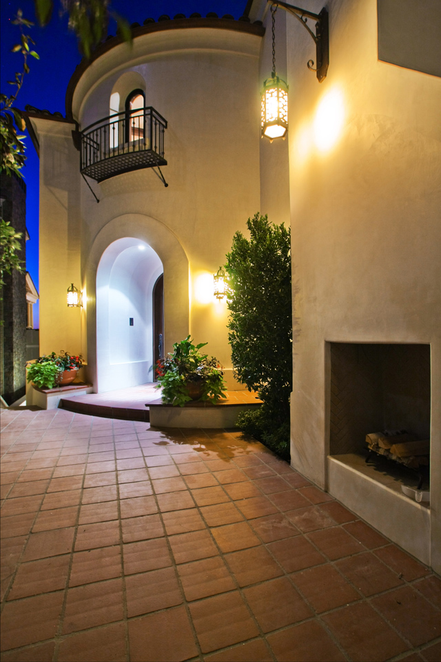 exterior-entryway-with-fireplace